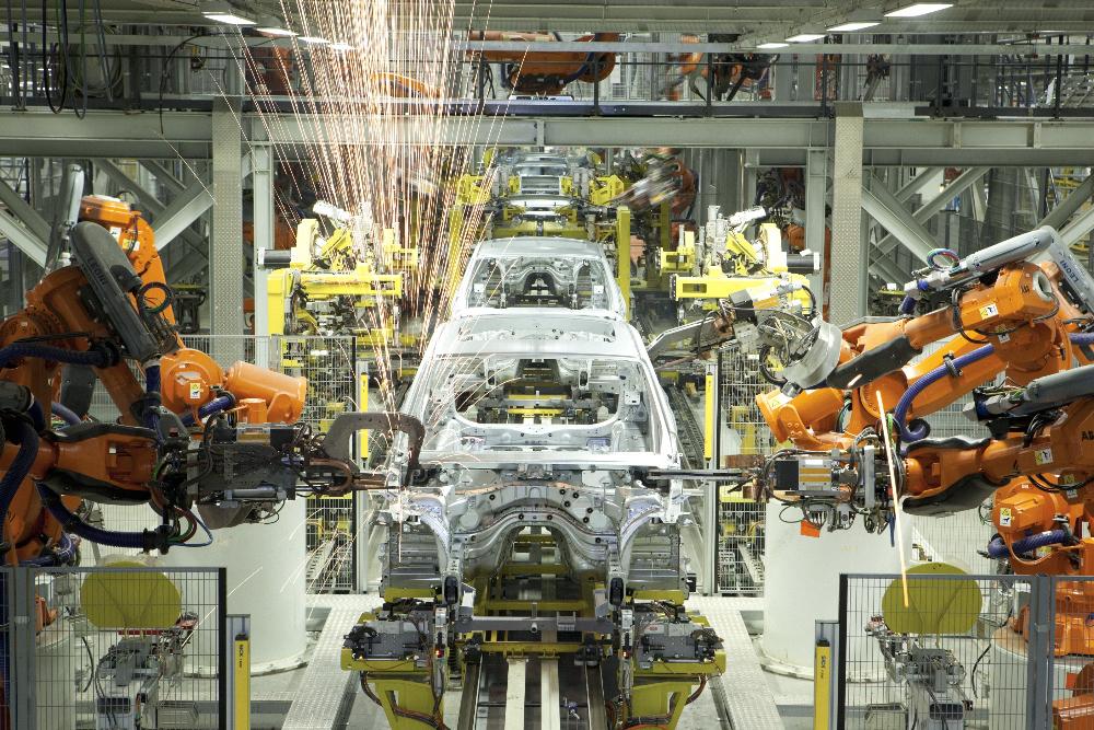 此外,工厂建筑内装有全球领先的智能建筑管理系统,遍布厂房和办公楼的